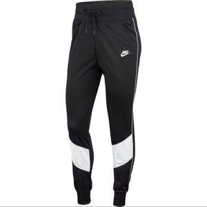 Nike Woman's sportswear heritage track pant